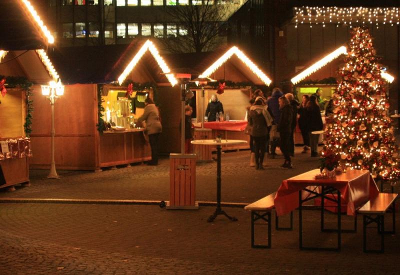 Eisstockschießen Berlin Weihnachtsfeier.Weihnachtsmarkt Mieten Zur Weihnachtsfeier Weihnachtsmarkt